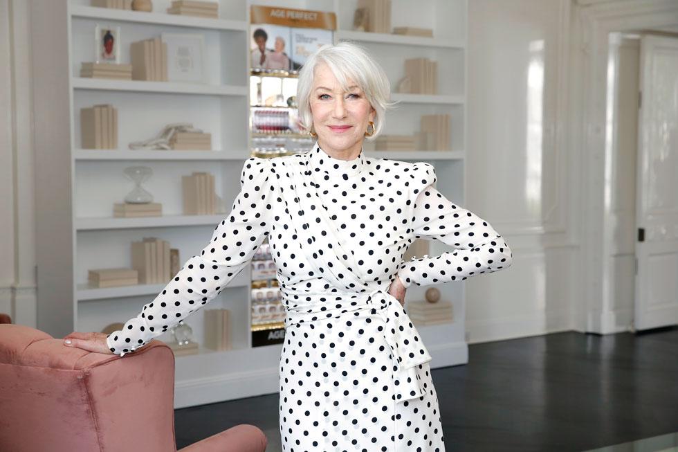 תמיד ידעה להתלבש היטב, אך בשנים האחרונות היא לוקחת את הנראות הייחודית שלה צעד אחד קדימה ומוכיחה שלהזדקן יכול להיות, ולהיראות, נפלא. הלן מירן, 2020 (צילום: Rachel Murray/GettyimagesIL)