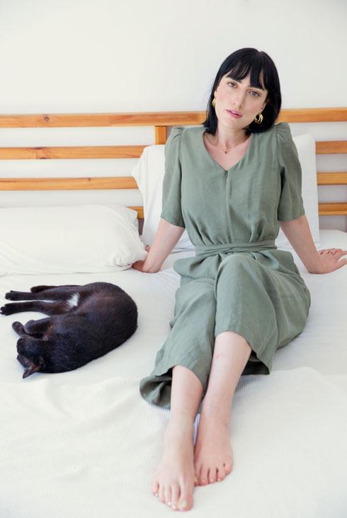 גדרון בחדר השינה שלה (צילום: ענבל מרמרי)