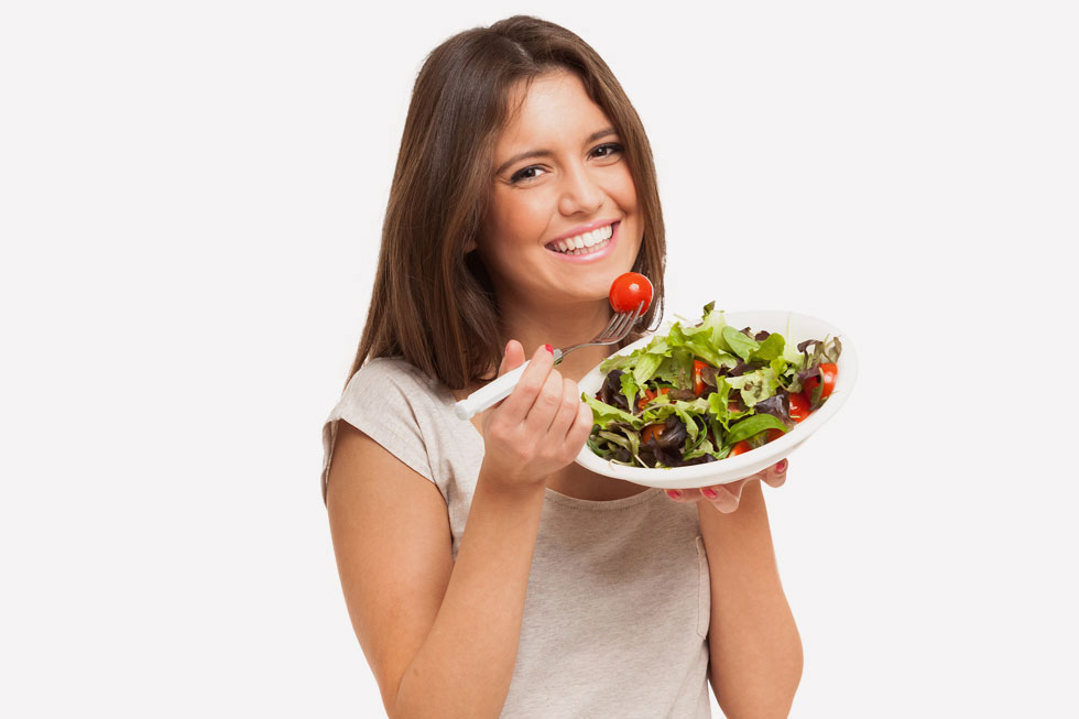 למה שאת אוכלת יש קשר ישיר לאיך שהפנים שלך נראים (צילום: Shutterstock)