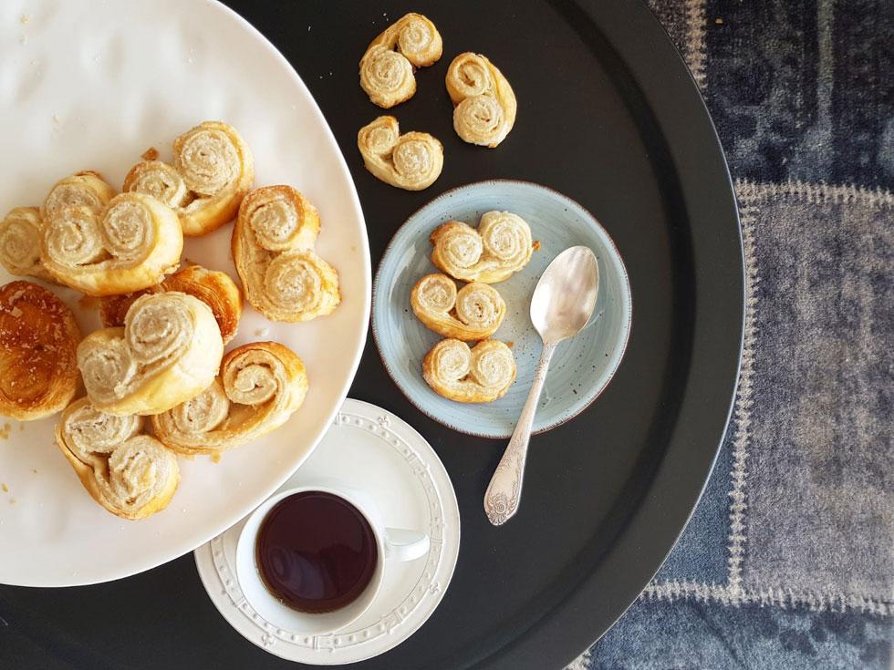 אין על הקרמל שנוצר בבסיס העוגיות - ביס אחד וחיסלתם את כל הצלחת: עוגיות אוזני פיל (צילום: אסתר דורון צרפתי)
