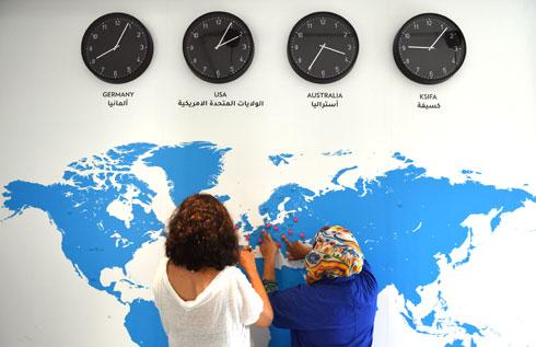 השעונים מציינים את השעה בשלושה יעדים שבהם המוצר מצליח במיוחד – ובכסיפה (צילום: אבי פז)