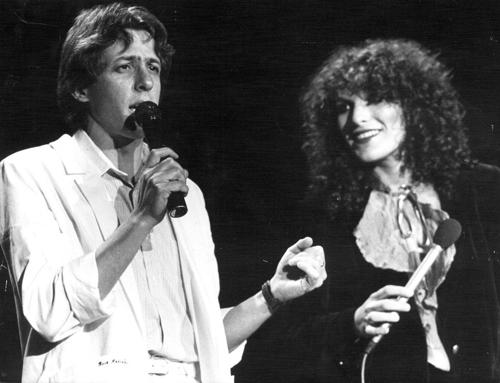 קסם בלתי מתאמץ. עם נורית גלרון, 1983 (צילום: שלום בר טל)