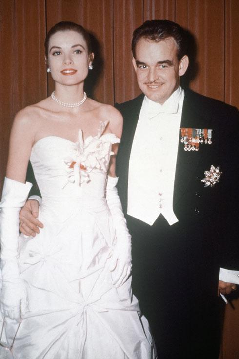 סיפור סינדרלה מהאגדות. גרייס קלי והנסיך רנייה ממונקו (צילום: AP)