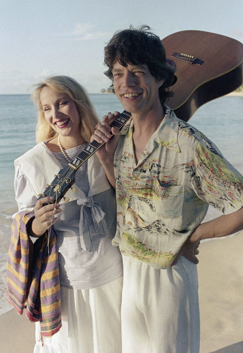 כשכוכב רוק פוגש דוגמנית-על. מיק ג'אגר וג'רי הול (צילום: AP)