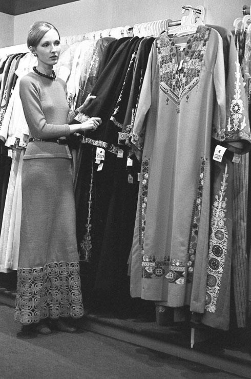 תקופת הקורונה החזירה את הצלמת אל הארכיון שלה. הדוגמנית בתיה דיסנצ'יק (צילום: יעל רוזן)