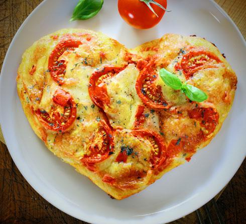 אוהבים פיצה? הנה היא אוהבת אתכם בחזרה (צילום: Shutterstock)