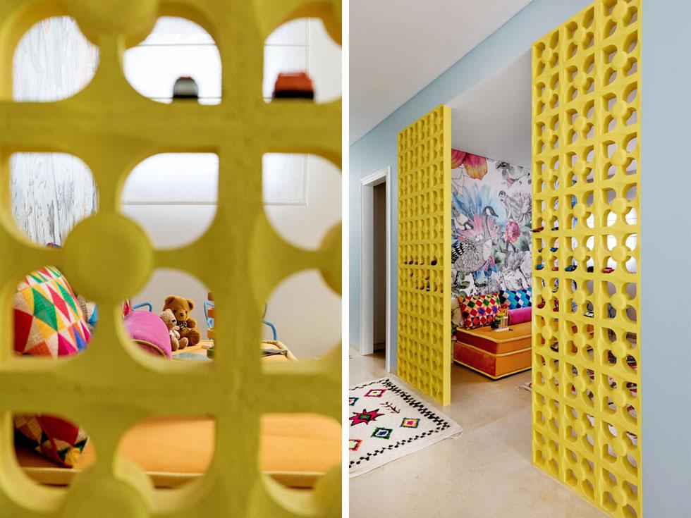 את הטפט מעל המרבץ בחדר המשחקים עיצבה רבקה סביניר (צילום: שירן כרמל)
