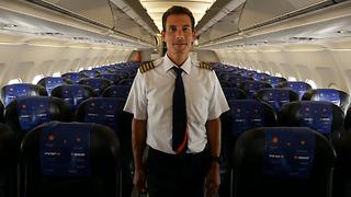 טייס ישראייר עומר רונן (צילום: אויר דוידוביץ')