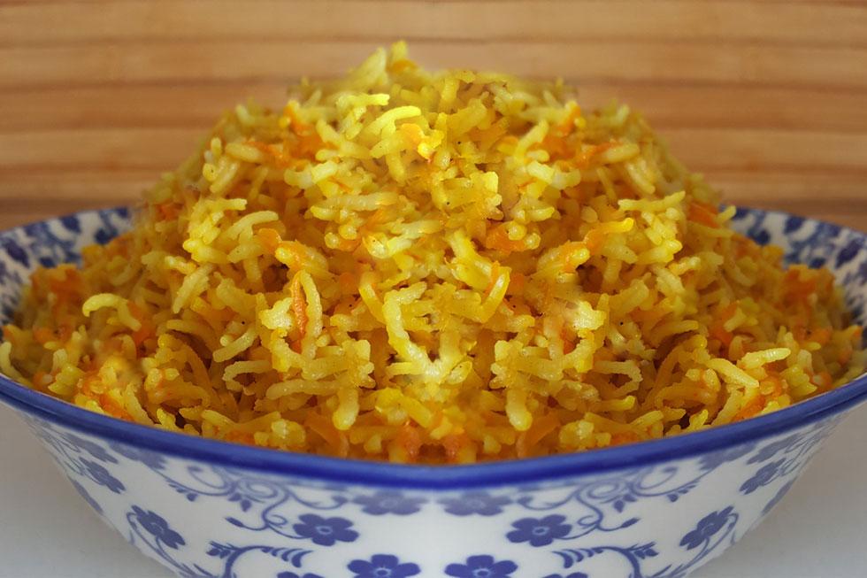 תוספת ממש טעימה: אורז עם המון גזר (צילום: מירי צדוק)