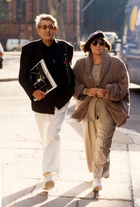 ניוטון ואשתו ג'ון בראון, 1991 (צילום: rex/asap creative)