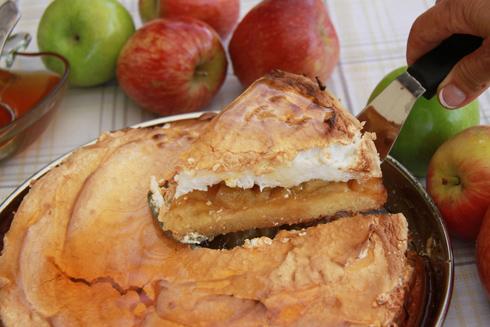 עוגת תפוחים עם מרנג (צילום: אסנת לסטר)