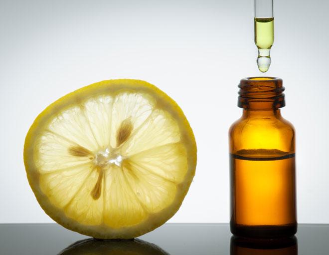 משפיע אנרגטית. שמן אתרי לימון (צילום: Shutterstock)