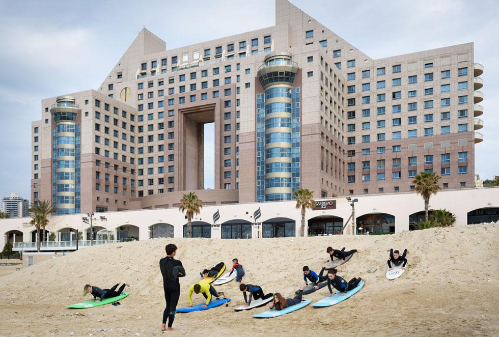 טראומה שהאיצה את חקיקת חוק החופים. מגדלי חוף הכרמל בדרום חיפה (צילום: יונתן בלום)