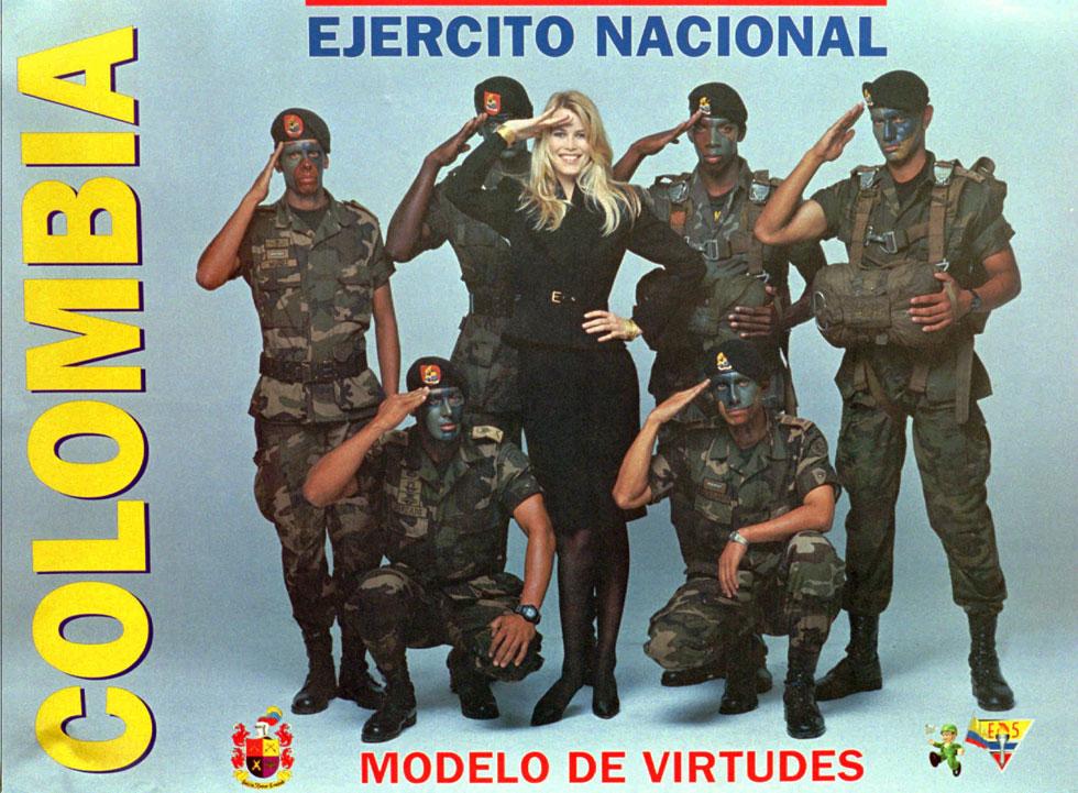 האמינה שהם מעריצים. שיפר עם חיילי צבא קולומביה (צילום: AP)