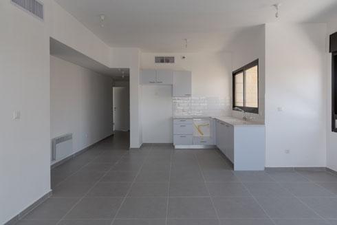 דירה במצב מעטפת. חלק מהדירות עדיין ריקות (צילום: דור נבו)