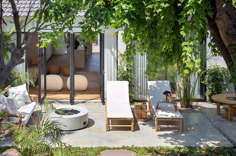 סגנון של בית נופש עם מראה של יער טרופי  (צילום: שי אפשטיין)