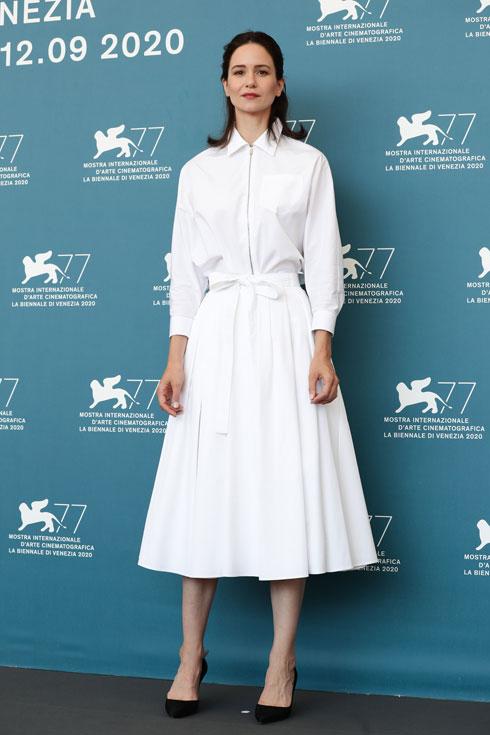 קתרין ווטרסטון בשמלה של פראדה (צילום: Vittorio Zunino Celotto/GettyimagesIL)