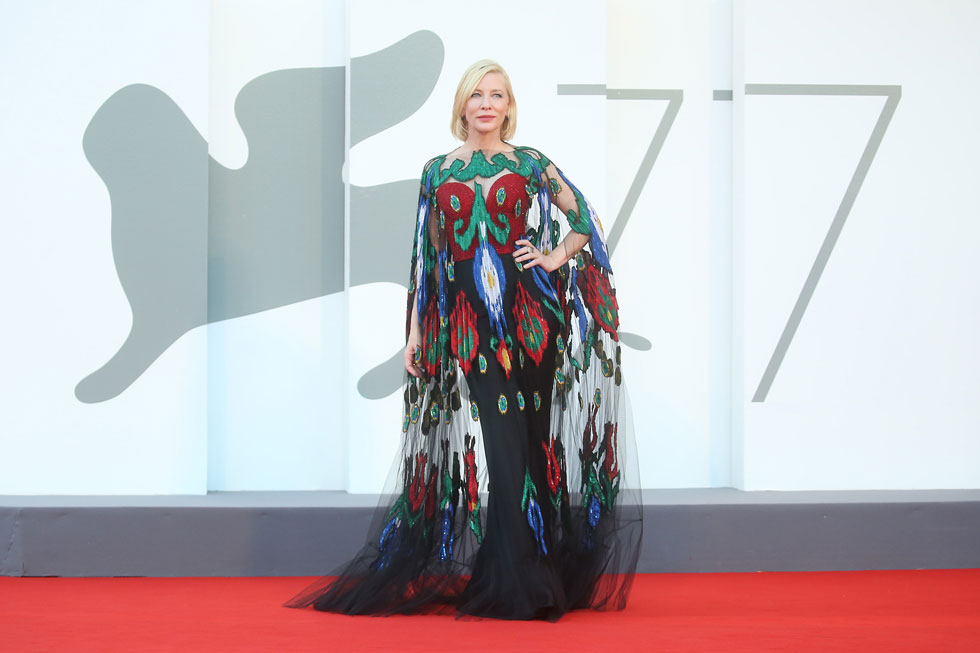 """יו""""ר חבר השופטים של הפסטיבל. קייט בלאנשט בחרה ללבוש על השטיח האדום שמלות שכבר לבשה בעבר מתוך רצון לקדם לסדר היום את נושא הקיימות באופנה (צילום: Elisabetta Villa/GettyimagesIL)"""
