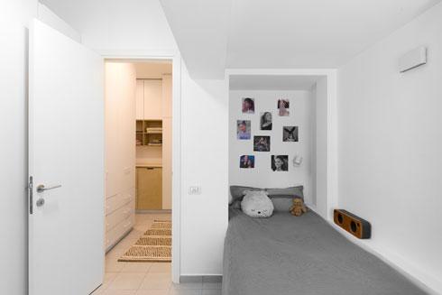 לחדרה של בת כניסה מעט נסתרת, מתוך מעבר רב שימושי  (צילום: טל ניסים)