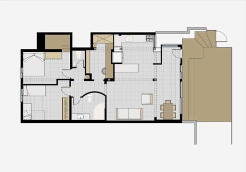 תוכנית הדירה לפני השיפוץ. מבואה, מטבח פתוח אל הסלון ושני חדרי שינה (תוכנית: אדריכל עמיחי שרון)