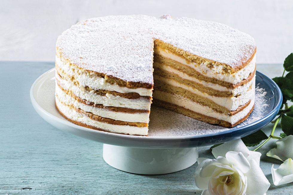 עוגת שכבות דבש וקרם שמנת (צילום: בועז לביא, סגנון: פסי ברניצקי)