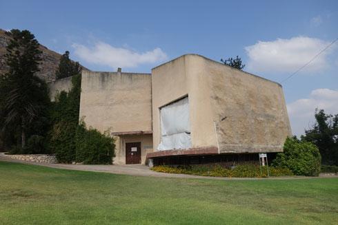 ''ללא מחוות אדריכליות מיותרות'', אומר ד''ר צבי אלחייני (צילום: מיכאל יעקובסון)