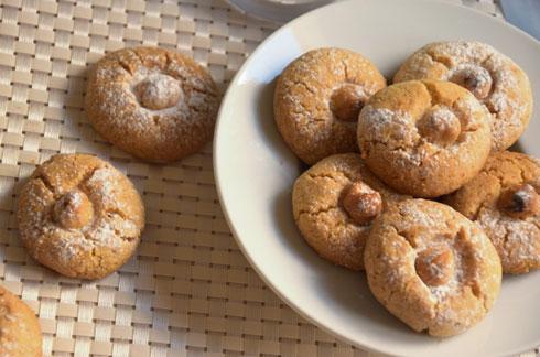 עוגיות אגוזי לוז (צילום: דינה משה)