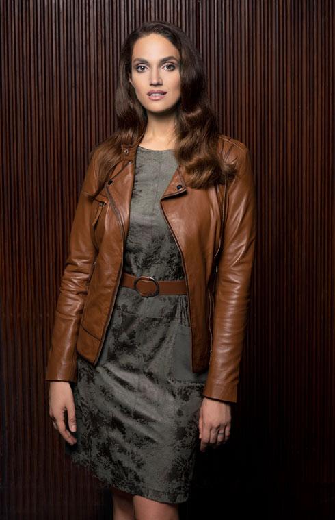 """""""יש אותי גם בעיצוב הבגדים של קרייזי ליין וגם בבית"""". מארינה מקסימיליאן בקולקציה בעיצובה של שוורץ (צילום: עדו לביא)"""