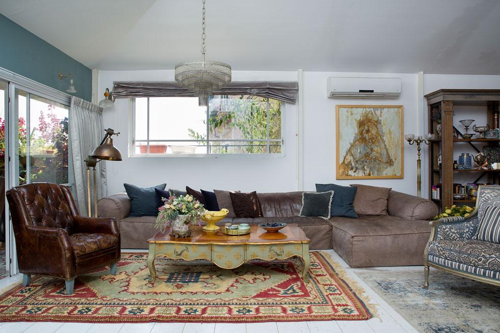 על עיצוב הבית הופקד דוד ד'אור, שלדברי פזית אשתו גם עיצב את הבתים של החברים המפורסמים שלהם, כמו מירי מסיקה וארקדי דוכין (צילום: ענבל מרמרי)