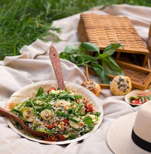 סלט פרגולה עם פתיתים (צילום וסגנון: דניאל שכטר)