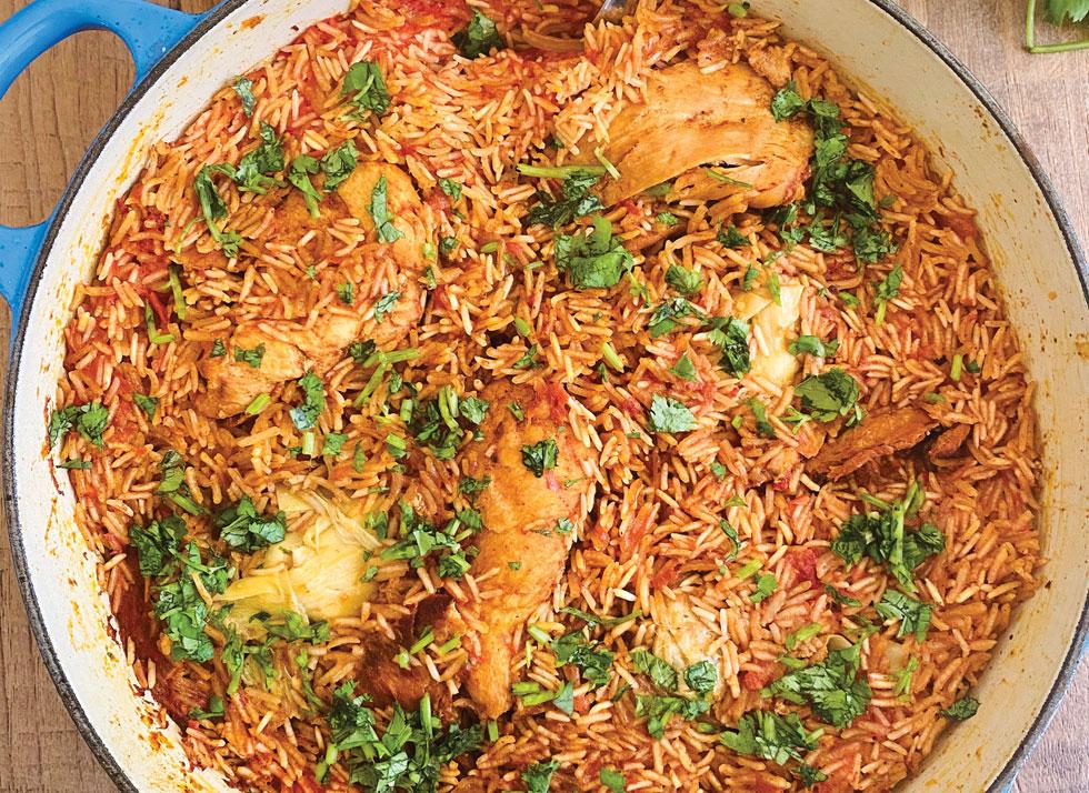 סיר עוף, אורז וכרובית ברוטב אדום (צילום וסגנון: נטשה חיימוביץ')