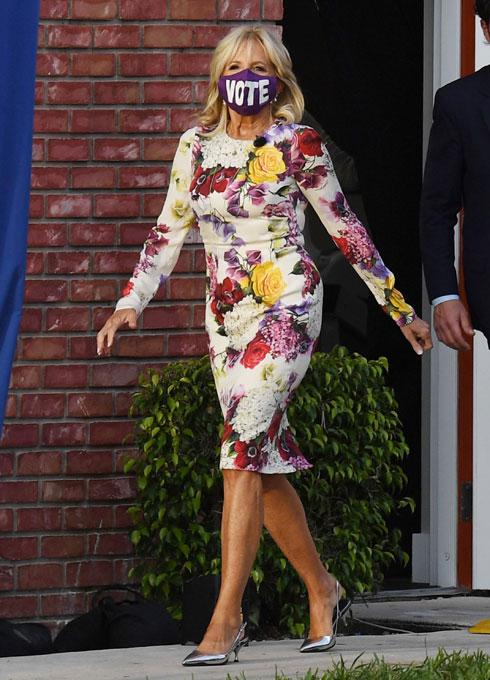 מסכות, מסרים ומותגי יוקרה: איך מתלבשת ג'יל ביידן למסע הבחירות. לחצו על התמונה לכתבה המלאה (צילום: rex/asap creative)