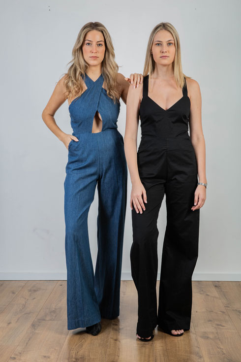 רוב הבגדים באתר במחירים של עד 500 שקל, לצד קטגוריה מיוחדת לפריטים יקרים יותר, כמו האוברולים בתמונה שמחירם 540 שקל (צילום: נוי ערקובי)