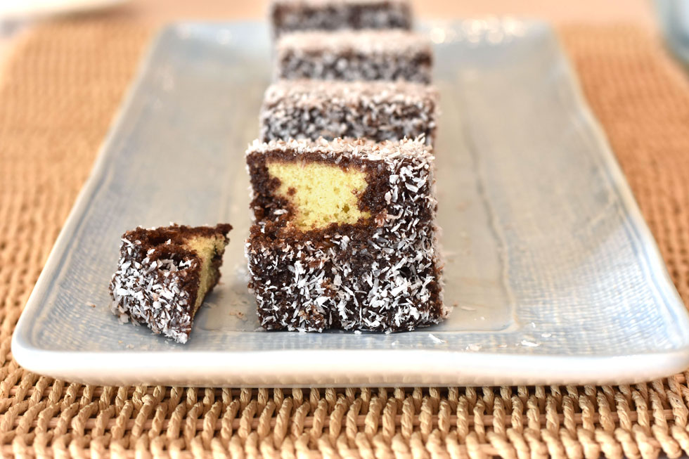 """ד""""ש מאוסטרליה: עוגת הלמינגטון המפתיעה (צילום: ענת צרפתי)"""