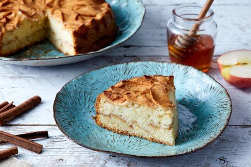 עוגת תפוחים דנית בחושה (צילום: אפיק גבאי)