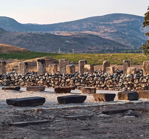 להתרשם ממפעל המים שהוקם כאן. תל חצור, עמק החולה  (צילום: Shutterstock)