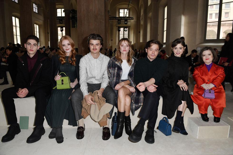 מקום של כבוד בשורה הראשונה של בית האופנה סלבטורה פרגאמו, לצד כוכבים צעירים (צילום: Jacopo M. Raule/GettyimagesIL)