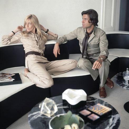 פרנסואה ובטי קטרו הצעירים בדירתם הפריזאית (צילום: Horst P. Horst/GettyimagesIL)