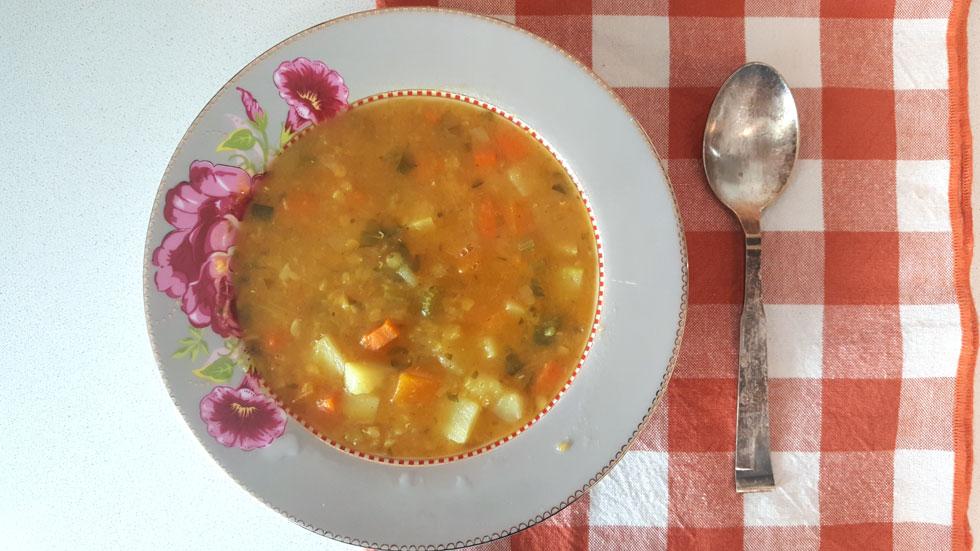 ההכנה מהירה ופשוטה והטעם נהדר: מרק ירקות סמיך (צילום: מירי צדוק)
