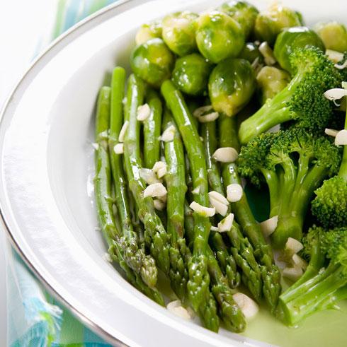 ירקות ירוקים בשמן זית ולימון (צילום: יוסי סליס)