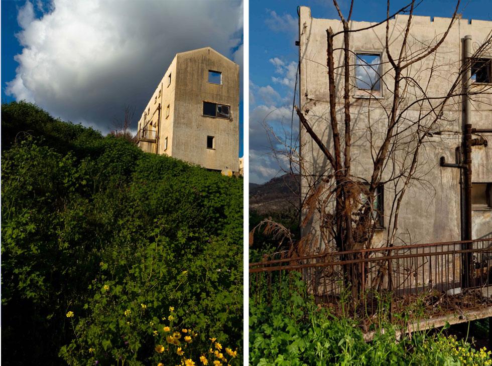 היא חזרה עוד ארבע פעמים לקיבוץ, בתנאי צילום משופרים, כדי לצלם את הבתים שנעזבו (צילום: Adva Baram)