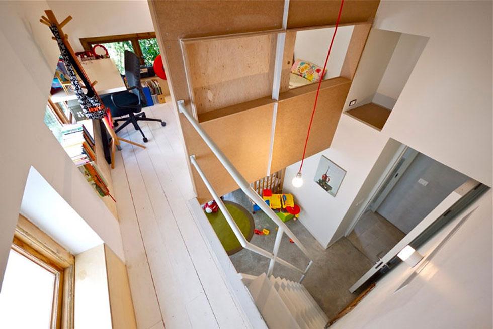 מה עושים כשאין חדר לבת הבכורה (2)? בונים לה גלריה מעל חדרו של הבן הפעוט. תכנון: רפי אלבז. לחצו לכתבה המלאה (צילום: איתי סיקולסקי)
