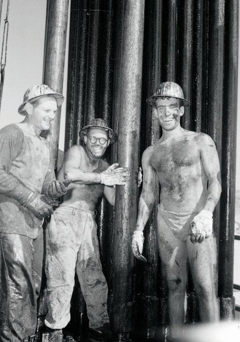 אשליות על עושר. קודחי הנפט בחלץ  (צילום: דוד רובינגר)