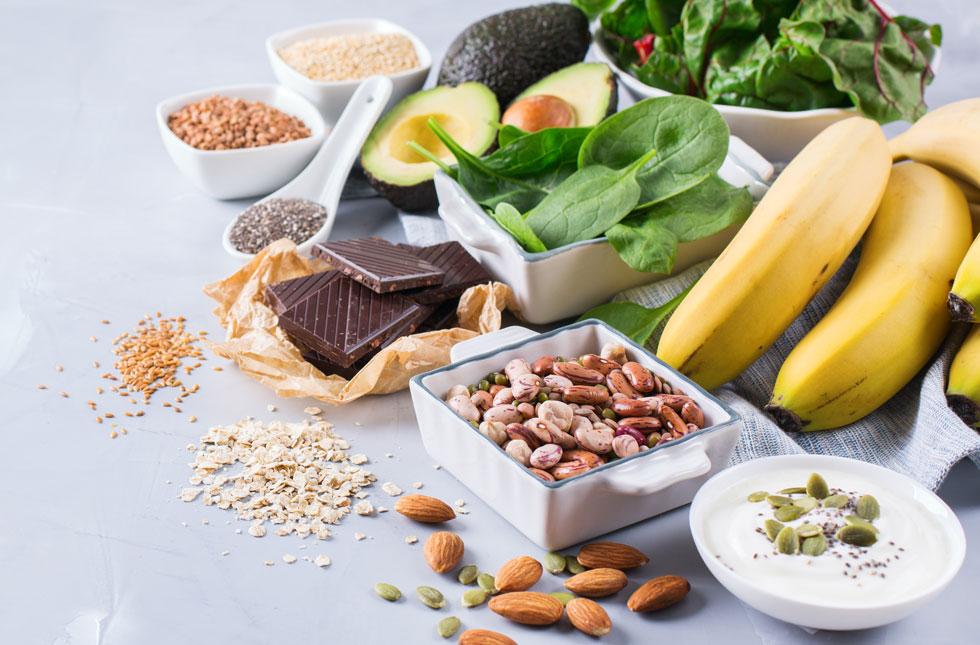 """על פי המלצות התזונה, גבר זקוק לכ־420 מ""""ג מגנזיום ביום ואישה לכ־320 מ""""ג, אך לטענת סוזי ביורל רבים מאיתנו לא מגיעים לסף הצריכה הזה (צילום: Shutterstock)"""