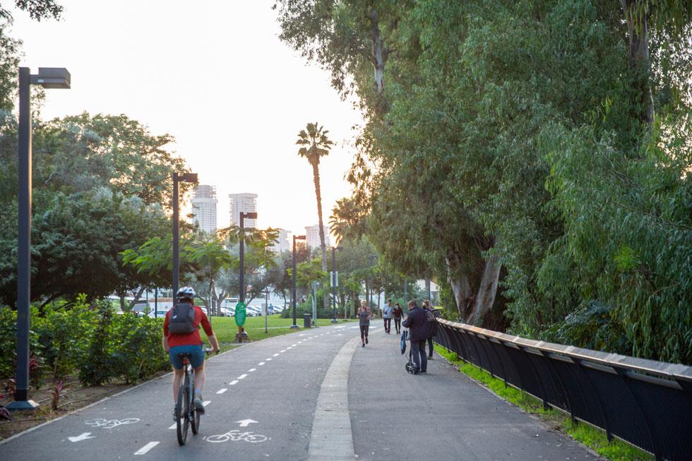 השביל משתלב ברשת האופניים המטרופולינית, ולכן הורחב משמעותית מעבר לתוכנית המקורית (צילום: דור נבו)