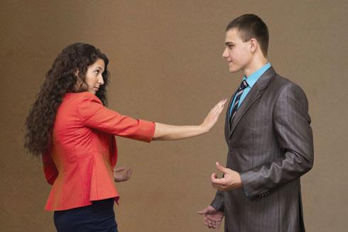 """""""זה שאתן מגיעות לבית של מישהו לא מחייב אתכן לכלום""""  (אילוסטרציה) (צילום: Shutterstock)"""