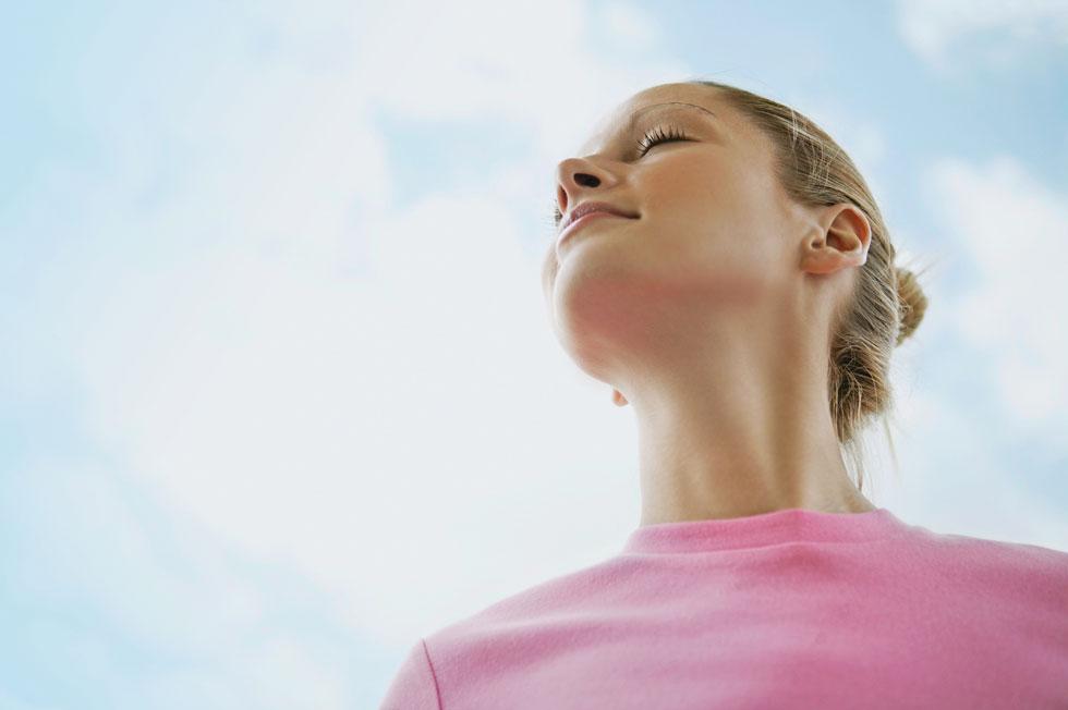 המין האנושי התפתח להיות מסוגל לנשום דרך שני ערוצים מסיבה טובה. זה מגביר את היכולת שלנו לשרוד. אם האף שלנו נחסם, הפה הופך למערכת גיבוי לנשימה (צילום: Shutterstock)