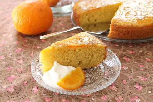 ההפוכה עם המרקם החלומי: עוגת תפוזים הפוכה עם סולת (צילום: אורלי חרמש)