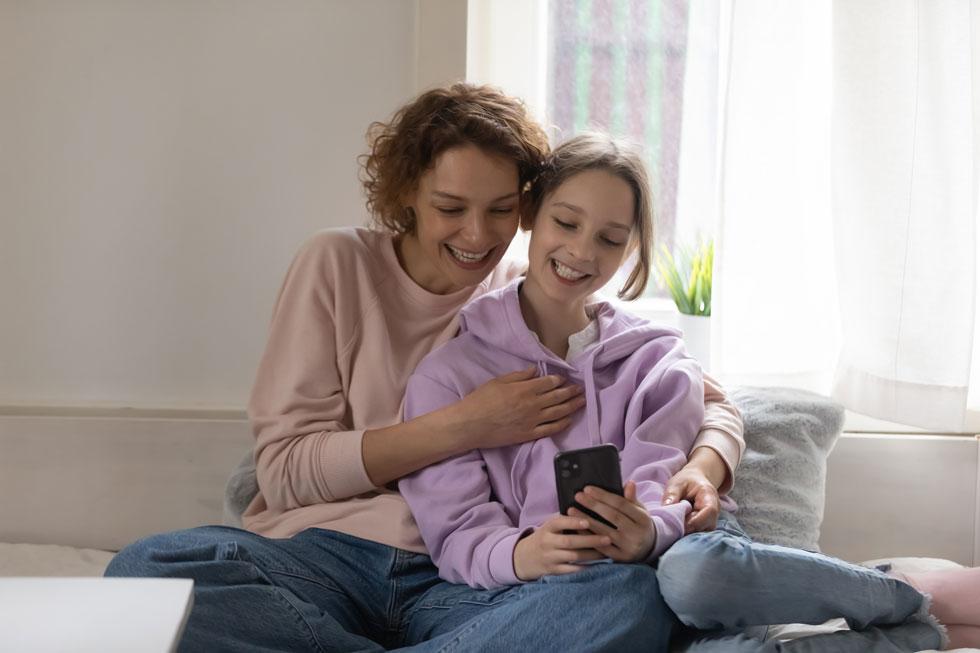 בקשו מהילדים לספר לכם מעת לעת באיזה אתרים הם גולשים, במה הם משחקים, אחרי מי הם עוקבים ברשתות החברתיות וכיצד הם משתמשים ברשתות בהן הם חברים (צילום: Shutterstock)