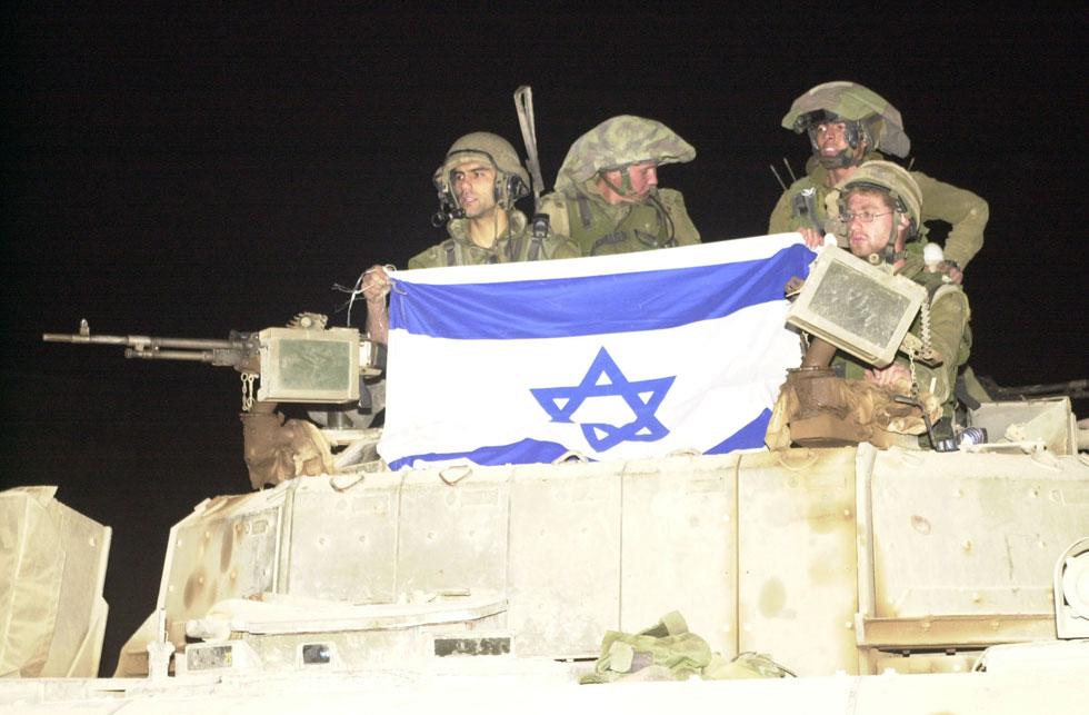 הלילה הדרמטי שבו יצאו חיילי צה''ל מלבנון, 23 במאי 2000 (צילום: אפי שריר)